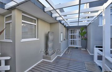 ​Ext 2 (North Dune), Henties Bay: Upmarket Apartment in Silver Mist is for Sale