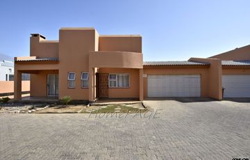 ​Ext 9, Swakopmund: Spacious Townhouse in Birdview is for Sale