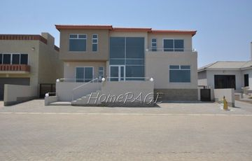 Ext 11 (Sun Bay), Henties Bay:  Luxurious, Spacious 4 Bedr Home is for sale