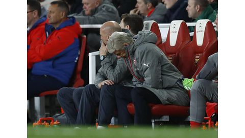 Wenger faces new quit calls