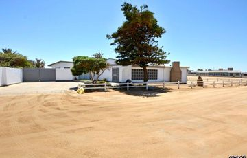Ext 2, North Dune, Henties Bay: Older Home with Sea Views is for Sale