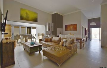 Ext 11 (Sun Bay), Henties Bay: BEAUTIFUL Home is for Sale