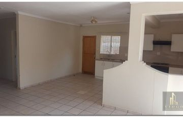 Three Bedroom Flat in Rocky crest