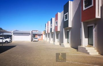 Spacious 2 bedroom townhouse for sale in Pioniers Park, Westvale.