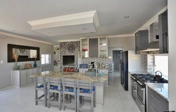 Ext 11 (Sun Bay), Henties Bay: BEAUTIFUL, MODERN HOME is for Sale