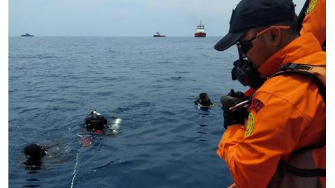 Indonesian Lion Air plane crashes into sea with 189 passengers, crew