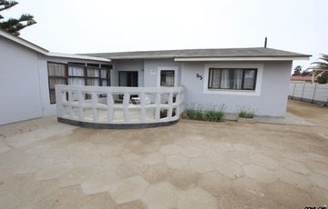 FAMILY HOUSE FOR SALE IN SWAKOPMUND, NAMIBIA!