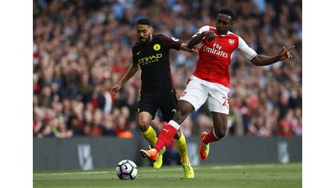 Clichy backs Wenger