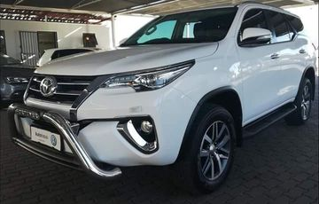 2017 TOYOTA FORTUNER 2.8 GD6 R/B M/T
