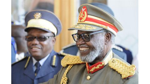 Nujoma snubbed by cops