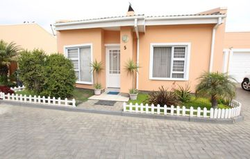 FOR THE RETIRED OR YOUNG BEGINNERS!  SAFE SECURE TOWNHOUSE  FOR SALE IN SWAKOPMUND, NAMIBIA!