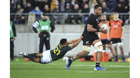 Jantjies to the rescue
