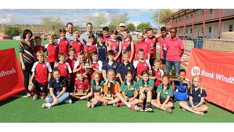 Young hockey players rewarded