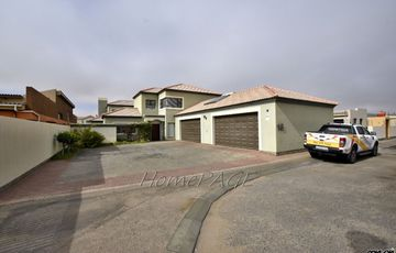 Fairway Estates, Walvis Bay: Luxurious Home is for Sale