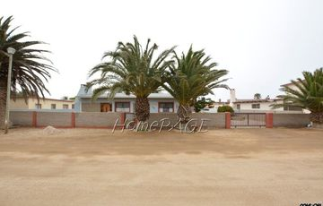 Henties Bay, Central Area:   A home CLOSE TO ALL AMENITIES is for sale
