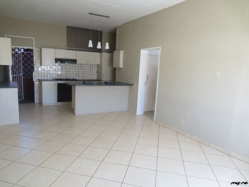 Newly renovated apartment close to town - My Namibia