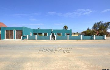 ​Hermes, Walvis Bay: Neat Corner Home is for Sale