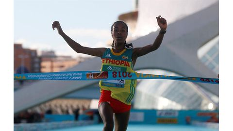 Gudeta shatters record in Spain