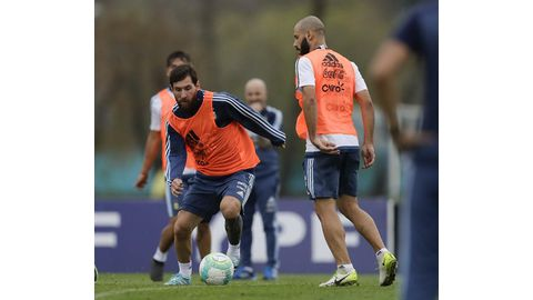 Pressure builds on Messi and Argentina