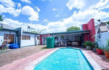 Neat house for sale in Pionierspark