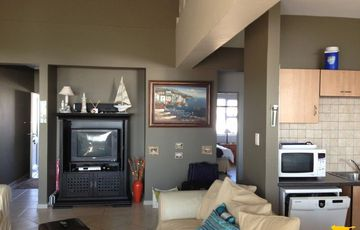 L6046: Lovely townhouse at Long beach.