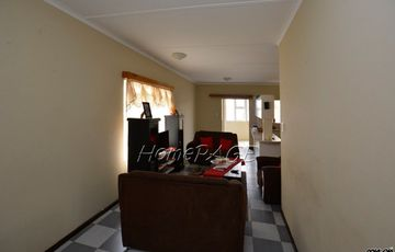 Vineta, Swakopmund: Apartment in quiet corner of Koh-I-Nor is for Sale