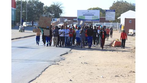 Job seekers demonstrate, demand removal of governor