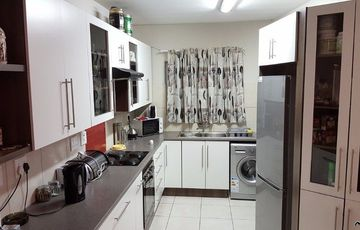 A 95sqm apartment on the first floor, levy pm N$ 1600.00 and registered cc