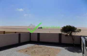 STYLISH & COMFY 3 Bedroom Home with n beautiful view over the dunes.