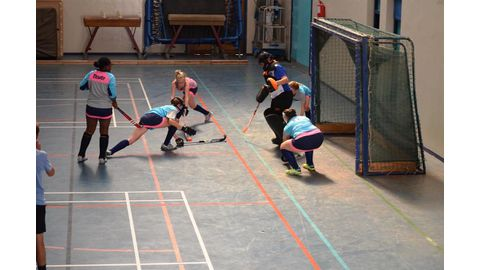 Indoor hockey league kicks off