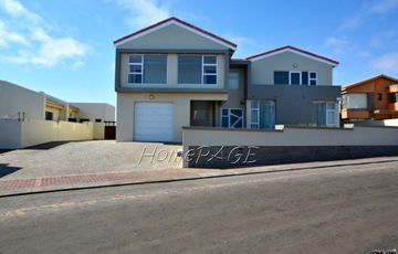 Ext 2, Long Beach, Walvis Bay: THE BEST OF BOTH WORLDS IS FOR SALE!!