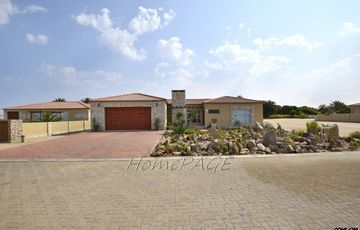 Rossmund, Swakopmund: VERY BEAUTIFUL PROPERTY is for Sale