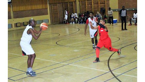 Wolves defeat Rebels in basketball league