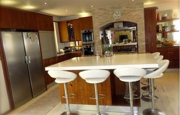 FOR EXCLUSIVE LIVING!  ELEGANT, MODERN FAMILY HOUSE IN SWAKOPMUND, NAMIBIA!