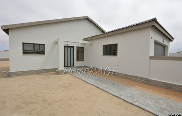 Dunes (Kramersdorf), Swakopmund: Brand New home on Large Plot is for Sale