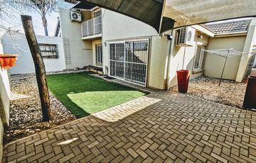 Double-storey Duet for sale in Suiderhof