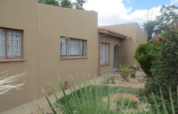 House for sale in Pioneerspark Ext 1