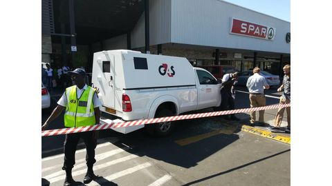 Four SA citizens, two from Zim, nabbed in city robbery