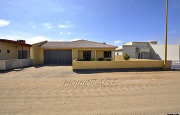 ​Ext 10, Henties Bay: Home at the right price is for sale