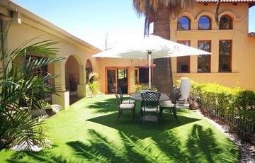 6 Bedroom Family Home For Sale in Klein Windhoek