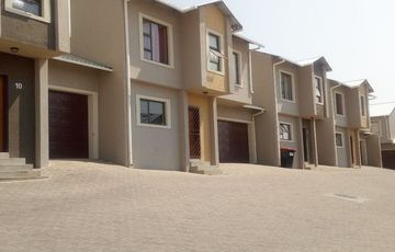 For sale modern Town House in Rocky Crest