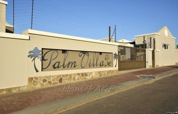 ​Long Beach Ext 2, Walvis Bay: Quaint Townhouse is for Sale