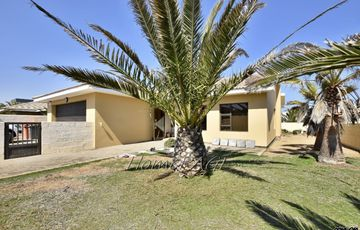 ​Vogelstrand, Swakopmund: Lovely Family Home is for Sale