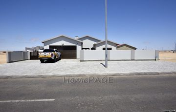 Ext 39, Swakopmund: Brand New Starter Home is for Sale
