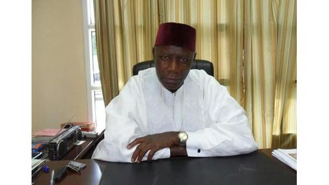 Head of Gambia's electoral commission flees to Senegal