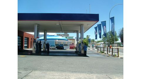 Stable rand to help fuel prices