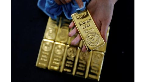 Gold surges to 6-year high