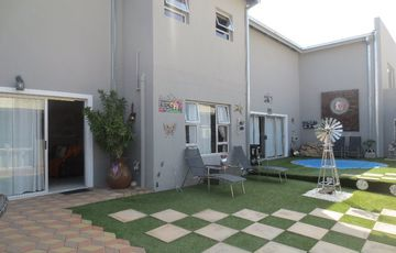 5 Bedroom family home with 306sqm office with separate entrance for sale