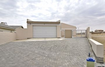 ​Mile 4 ext 1, Swakopmund:  BRAND NEW HOME just completed