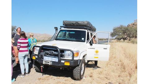Civilians foil highway robbery